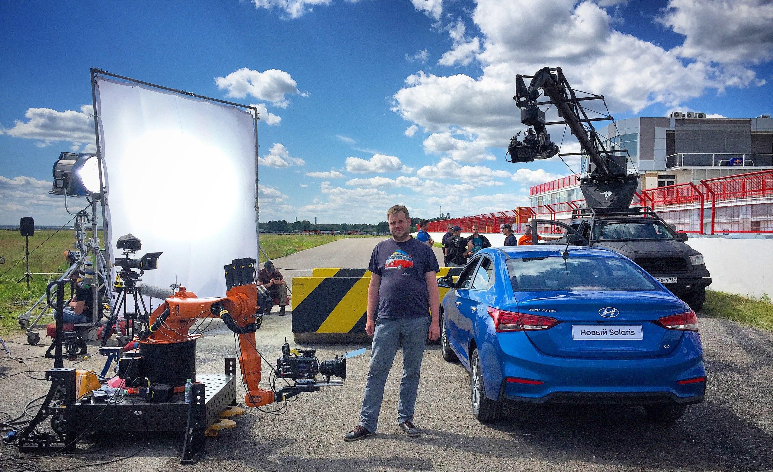 Краш-тест Hyundai Solaris с участием человека Motion Control системы и трёх камер Phantom.